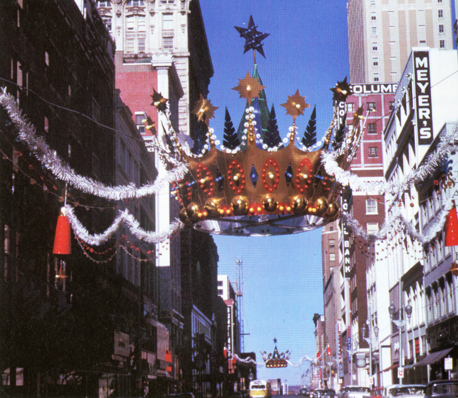 What's Your KC Q: Downtown Christmas Crowns